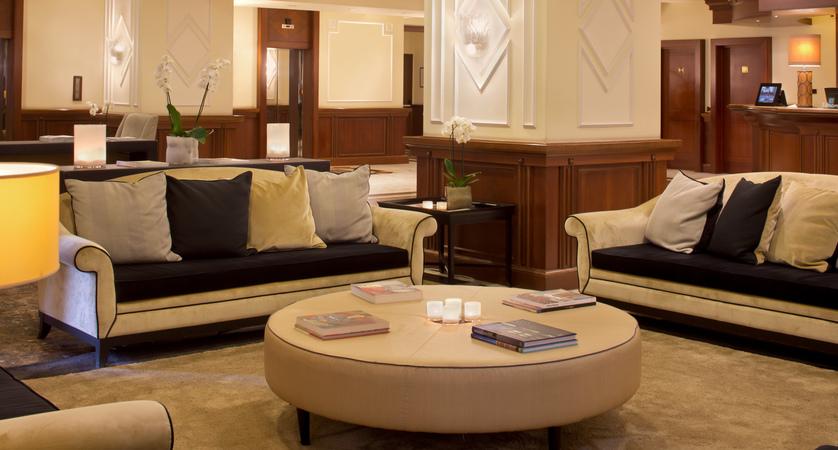 Starhotels Majestic_To_Hall (2).jpg