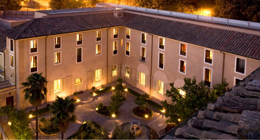 Donna Camilla Savelli Hotel external view.JPG (1)