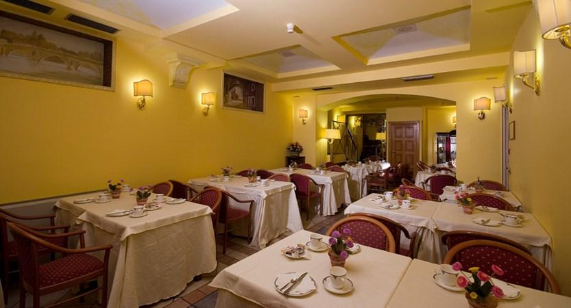 Al-Manthia-Hotel-Restaurant.jpg