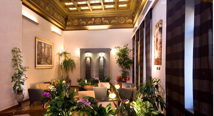 Al-Manthia-Hotel-Hall.jpg