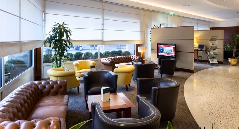 UNA-Hotel-Cusani-Lounge-Bar.jpg