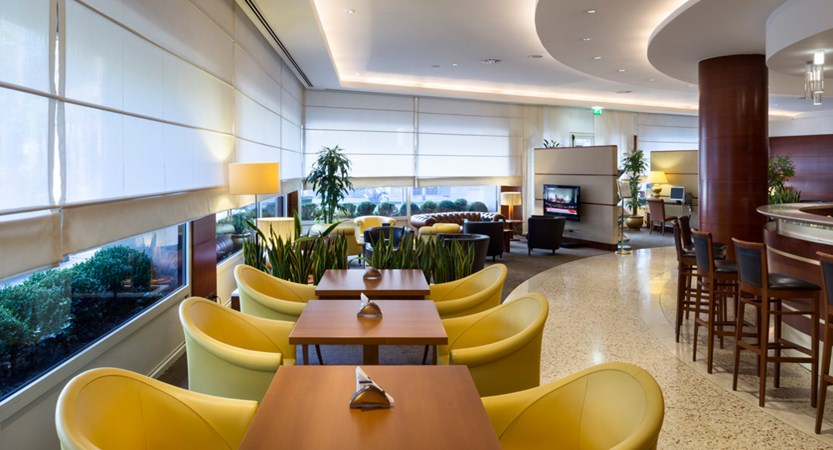 UNA-Hotel-Cusani-Lounge.jpg