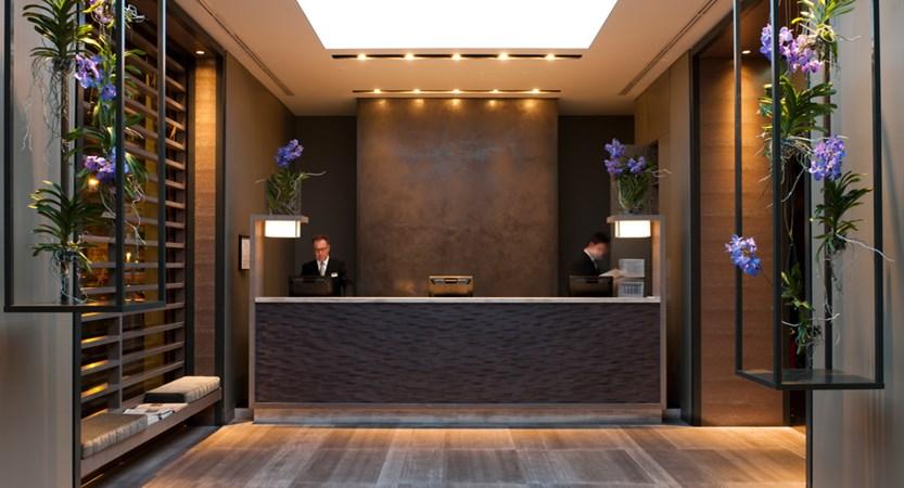 Starhotels-Echo-Milan-Reception.jpg