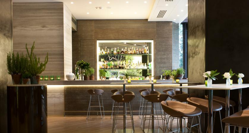 Starhotels-Echo-Milan-Bar.jpg