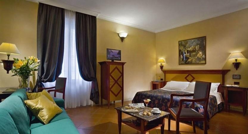 Hotel-Corrona-d'Italia-Bedroom.jpg