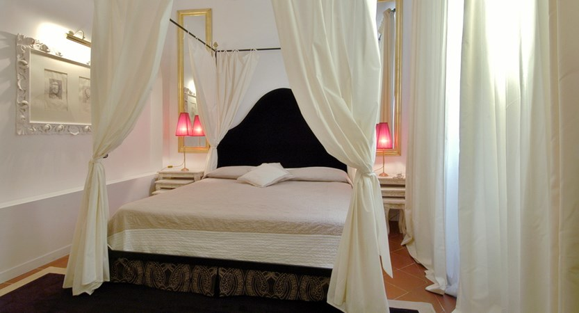 Hotel-Cellai-Florence-Bed-Room.jpg