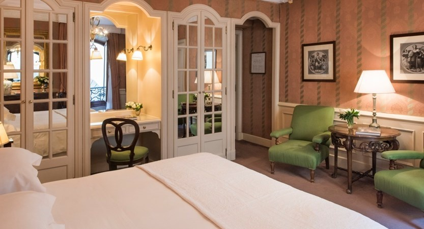 Helvetia-And-Bristol-Florence-Deluxe-Room.jpg