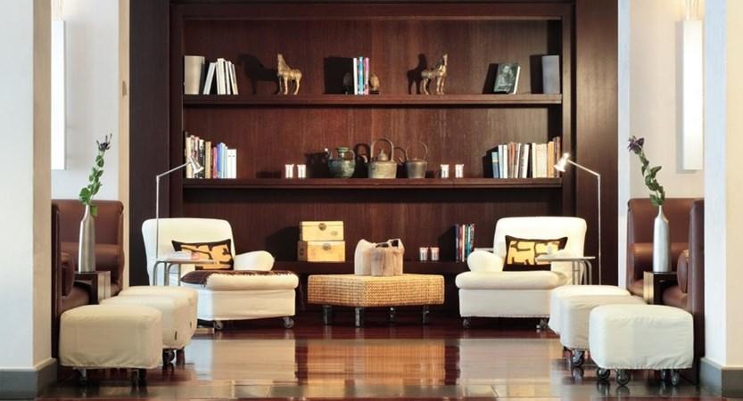 Starhotels-Excelsior-Bologna-Lounge.jpg
