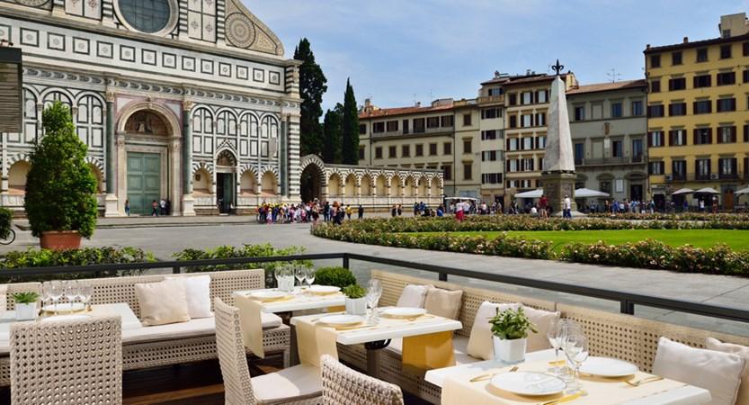 Grand_Hotel_Minerva_Al_Fresco_Restaurant.jpg