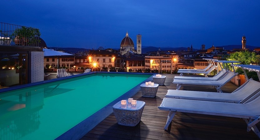 Grand-Hotel-Minerva-Pool-Night.jpg