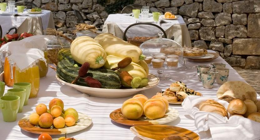 Relais-Masseria-Villa-Cenci-Breakfast.jpg