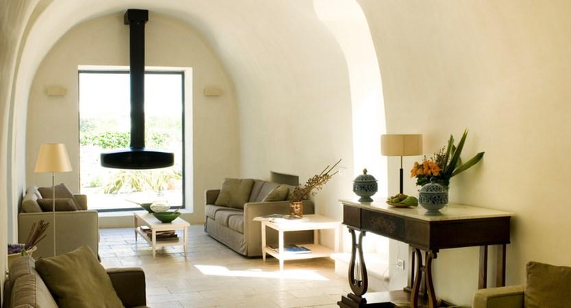 Relais-Masseria-Villa-Cenci-Lounge.jpg