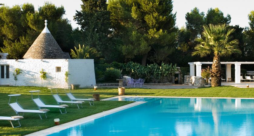 Relais-Masseria-Villa-Cenci-Pool.jpg