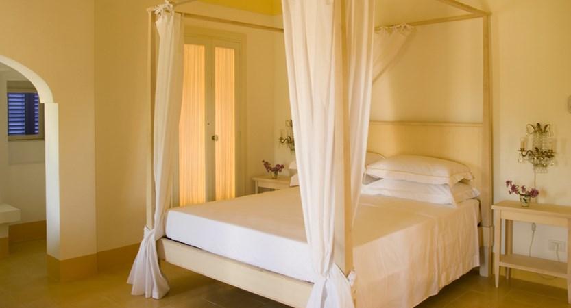 Relais-Masseria-Villa-Cenci-Superior-Room.jpg