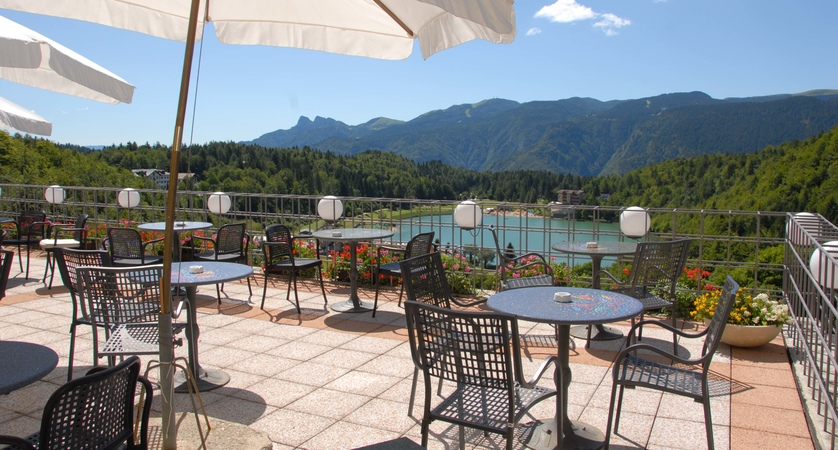 grand-hotel-astoria-lake-lavarone-terrace-overlooking-lake.jpg.jpg