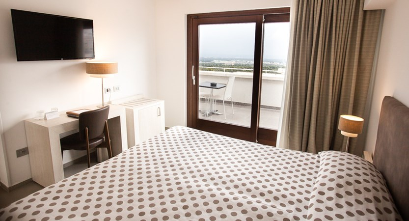 Hotel-Monte-Sarago-Superior-Room.jpg