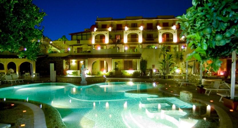 Hotel-Tritone-Pool.jpg