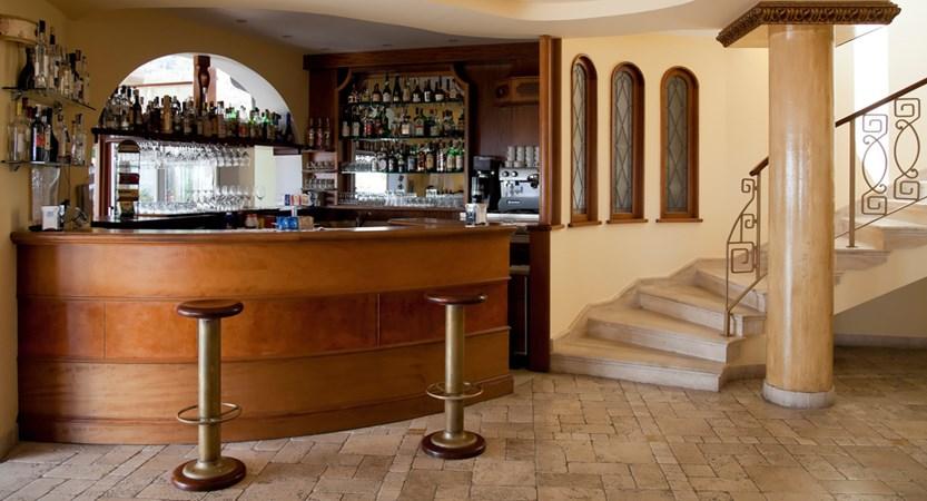 Hotel-Tritone-Bar.jpg