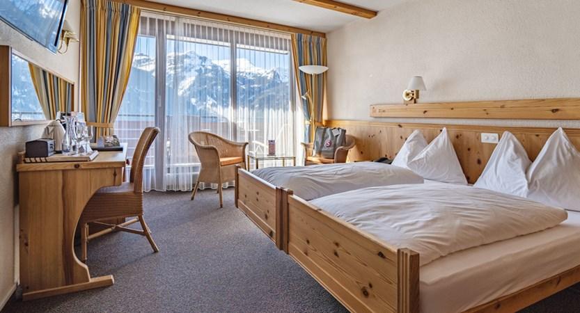 Doppelzimmer - Sunstar Hotel Wengen.jpg