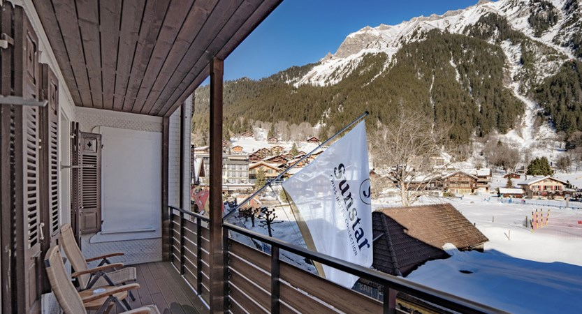 Ausblick Balkon Dorf - Sunstar Hotel Wengen.jpg