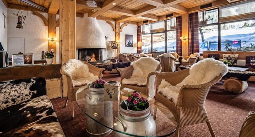 Bar - Sunstar Hotel Wengen Switzerland.jpg