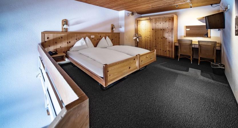 Familienzimmer Duplex - Sunstar Hotel Wengen.jpg