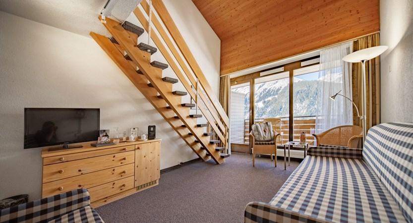 Familienzimmer Duplex - Sunstar Hotel Wengen Switzerland.jpg