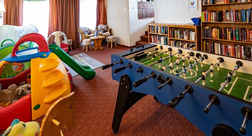 Kinderspielzimmer - Sunstar Hotel Wengen.jpg