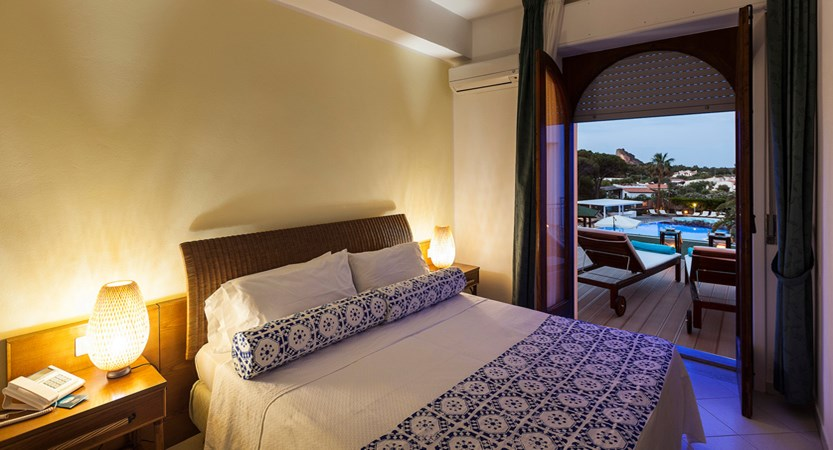 Hotel-Orsa- Maggiore-Room-with-View.jpg