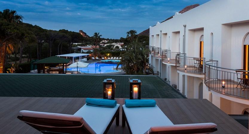 Hotel-Orsa- Maggiore-view.jpg