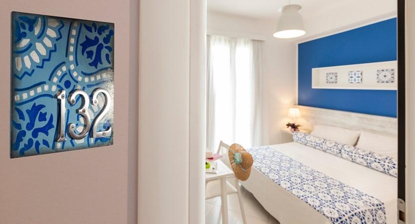 Hotel-Orsa- Maggiore-Bedroom.jpg