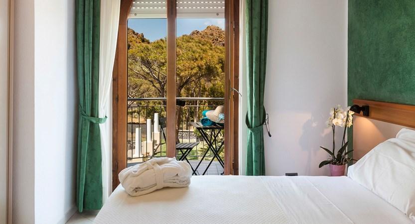 Hotel-Orsa- Maggiore-Room.jpg