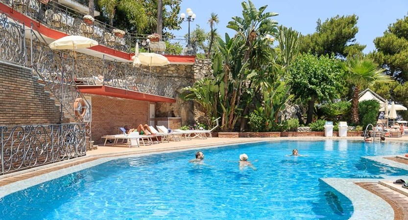 Hotel-Ariston-Swimming-pool.jpg
