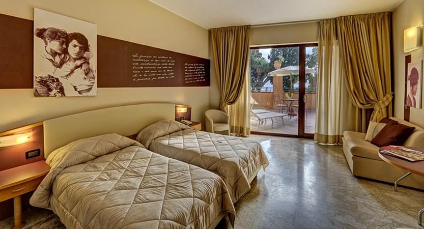 Hotel-Ariston-Palazzo-Caterina-Double-Balcony.jpg