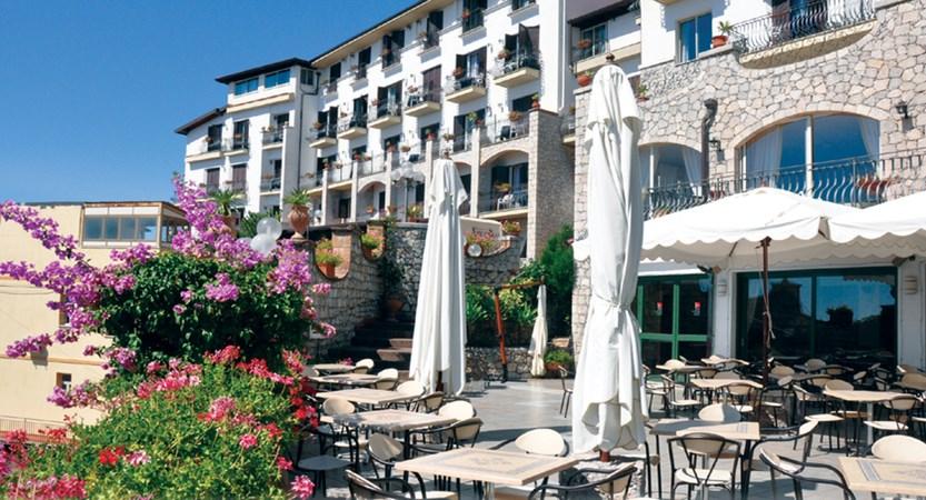 Hotel-Ariston-Exterior.jpg