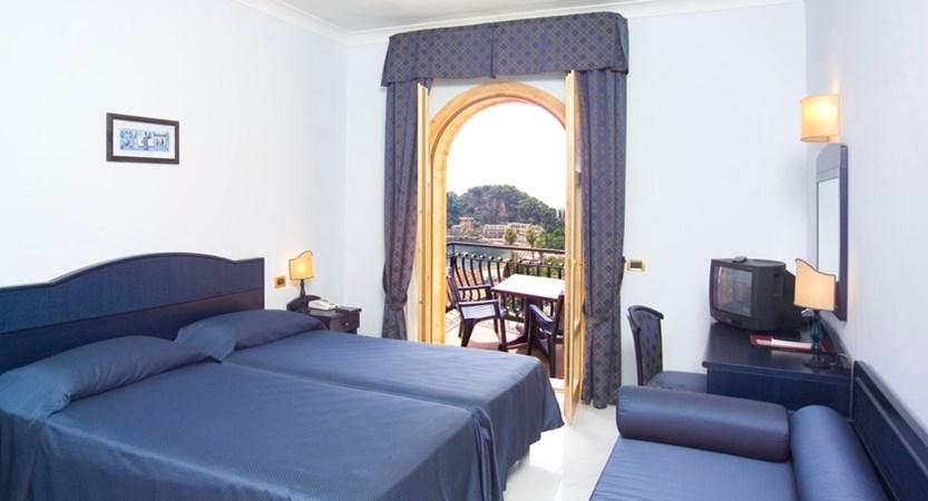 Hotel-Ipanema-Room.JPG