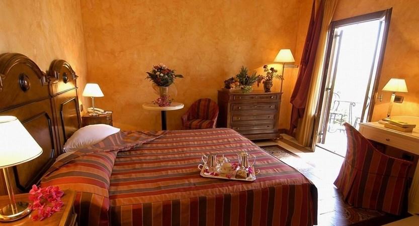 Hotel-Foresteria-Baglio-della-Luna-Bedroom.JPG