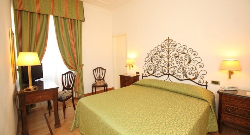 Villa-Balbi-Sestri-Room.JPG