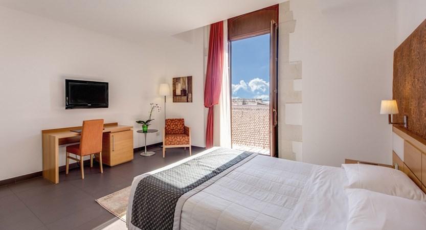 Grande-Albergo-Alfeo-Bed-Room.jpg