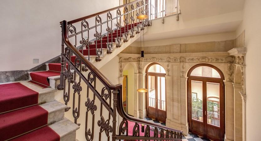Grande-Albergo-Alfeo-Stairs.jpg