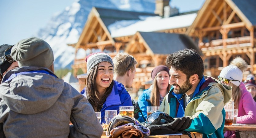 Eat_Drink_Lake_Louise_2016_Noel_Hendrickson_1_Horizontal.jpg (1)