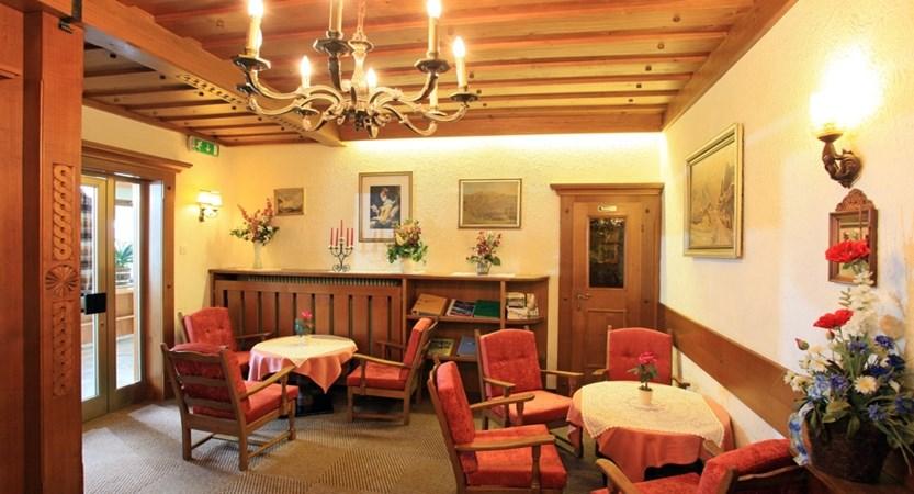 Hotel-Briem-Schieder-Christine-Dorfstrasse-29-Westendorf-Lobby1.jpg