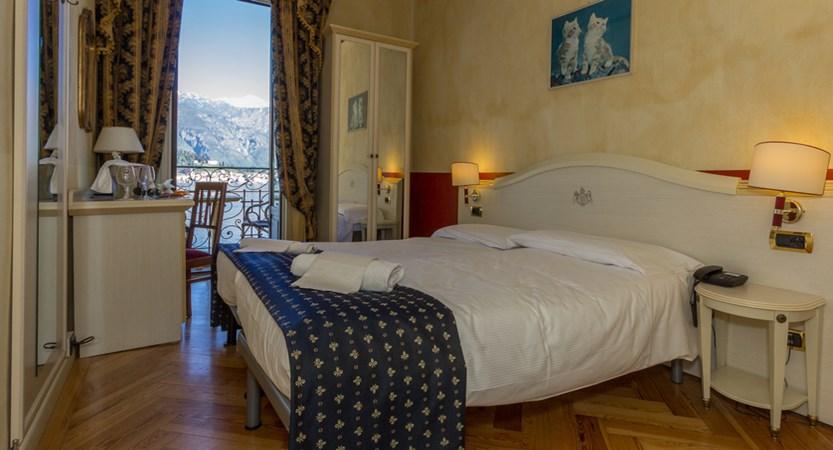Hotel-Britannia-Excelsior,-Cadenabbia,-Lake-Como,-Italy-Bedroom.jpg