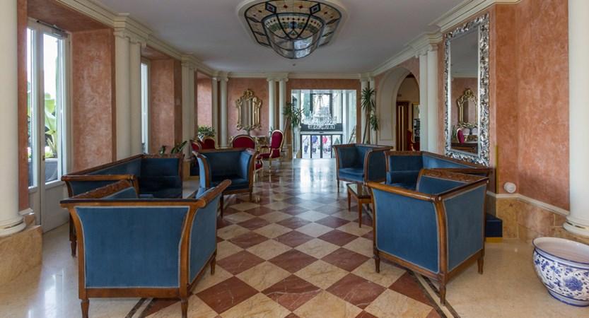 Hotel-Britannia-Excelsior,-Cadenabbia,-Lake-Como,-Italy-Lounge.jpg