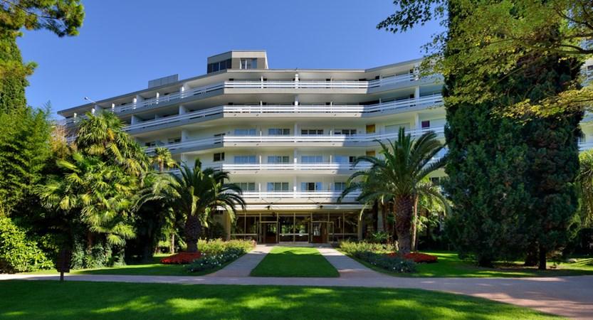 Du Lac Et Du Parc Hotel Exterior.jpg