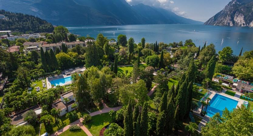 Du Lac Et Du Parc Hotel Aerial.jpg