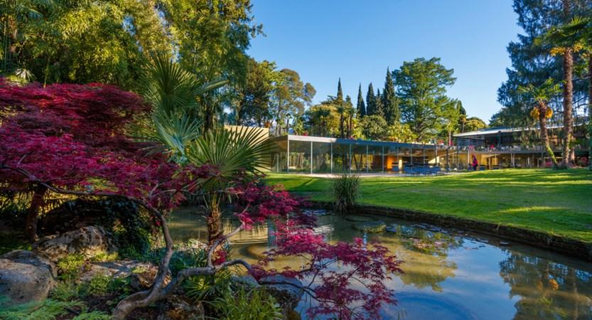 Du Lac Et Du Parc Hotel Gardens.JPG