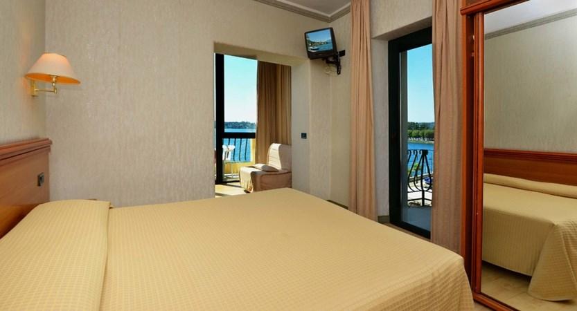 Hotel Du Lac, Gardone Riviera, Lake Garda, Italy - Bedroom3.jpg
