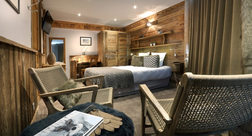 Hotel 3 Valleys Bedroom.jpg