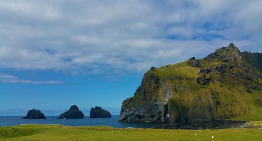 Dyrholaey_Iceland.jpg
